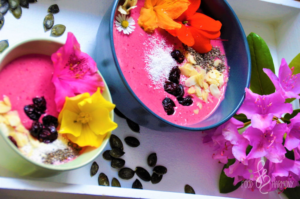 Wiśniowo-kokosowa smoothie bowl