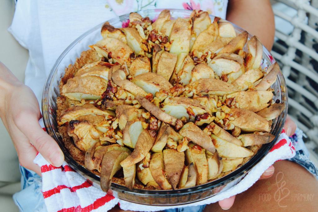 Fit tarta z jabłkami i cynamonem