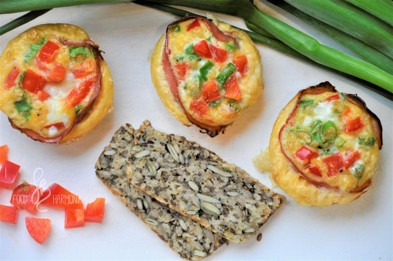 Photo of Śniadaniowe muffinki owinięte boczkiem