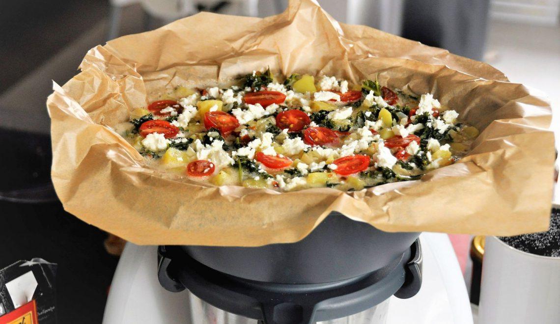 Fritatta na Thermomix ze szpinakiem i suszonymi pomidorami – pomysł na bezglutenowy obiad